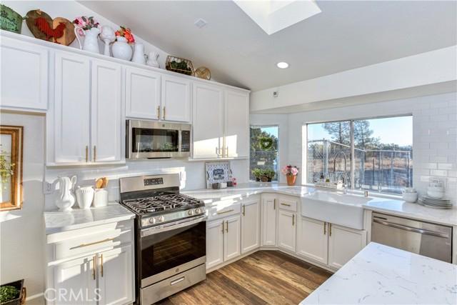9175 Coleridge Rd, Oak Hills, CA 92344 Photo 11