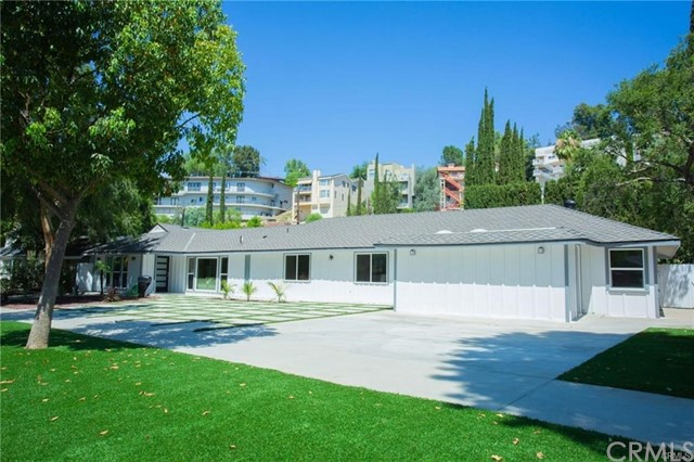 5100 Alhama Drive, Woodland Hills, CA 91364