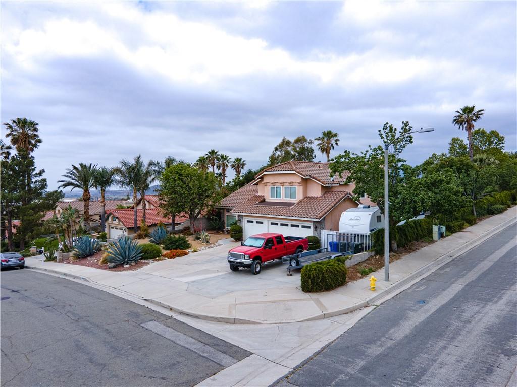 44. 6816 Huntington Drive San Bernardino, CA 92407