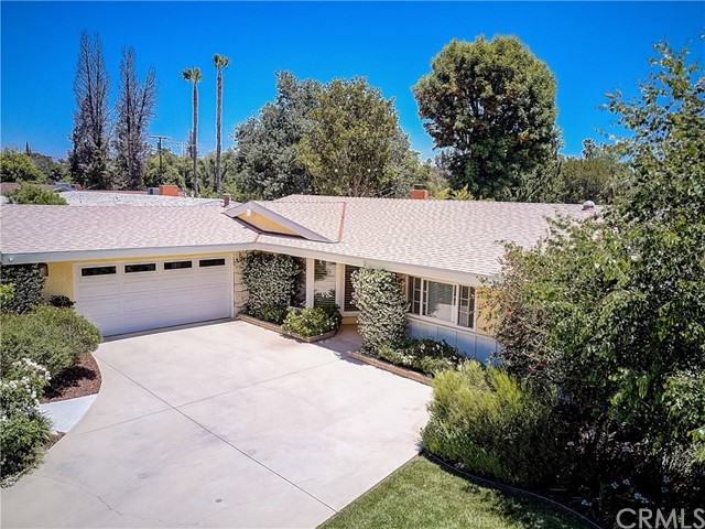 5400 Sadring Avenue, Woodland Hills, CA 91367