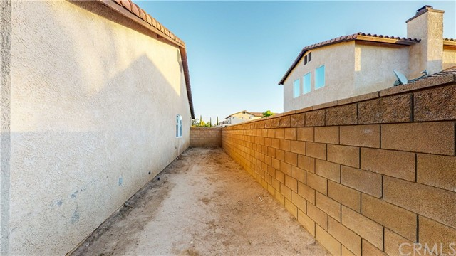 33. 12728 Water Lily Lane Victorville, CA 92392