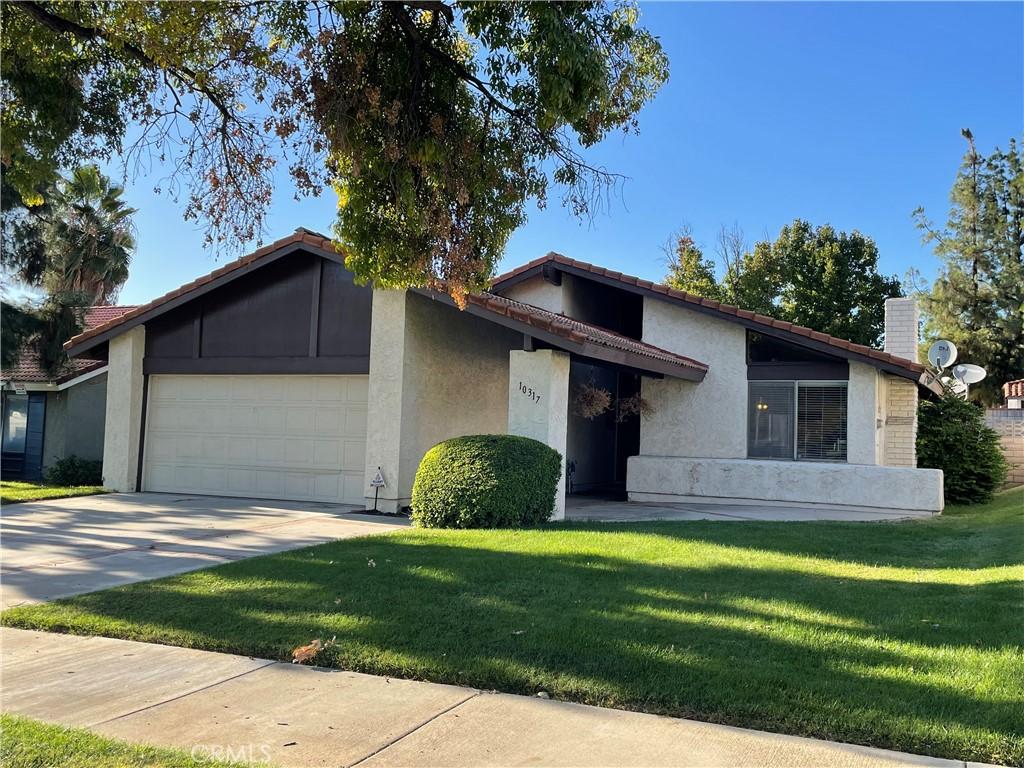 10317     Comanche Avenue, Riverside CA 92503
