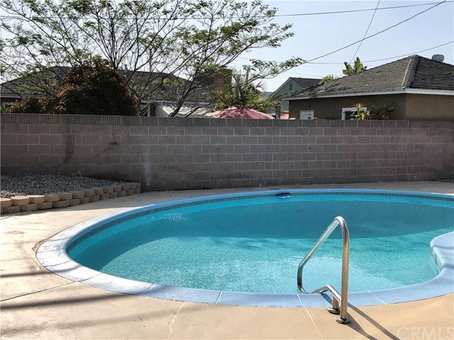 Image 4 of 2288 San Vicente Ave, Long Beach, CA 90815