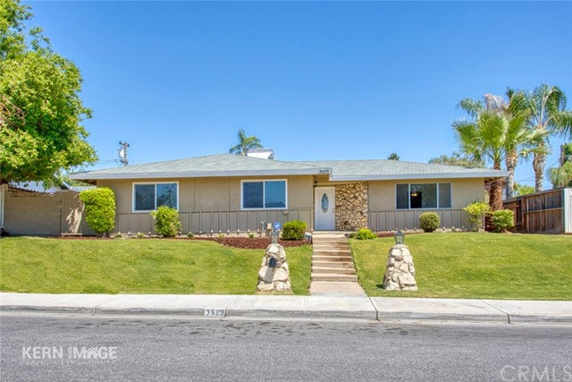 3629 Redlands Dr, Bakersfield, CA 93306 Photo