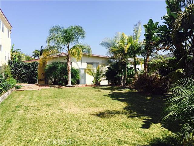 838 Avenue C, Redondo Beach, California 90277, 2 Bedrooms Bedrooms, ,1 BathroomBathrooms,For Sale,Avenue C,SB15071998