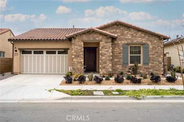 24507 Overlook Drive, Corona, California 92883, 2 Bedrooms Bedrooms, ,2 BathroomsBathrooms,Residential,For Sale,Overlook,PW21081746
