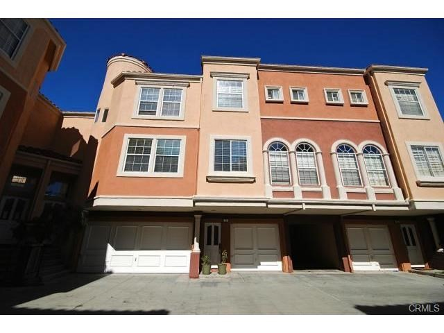 8 Mozzoni Aisle, Irvine, CA 92606