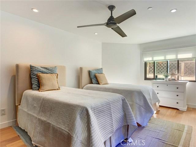 132 Monterey Boulevard, Hermosa Beach, California 90254, 3 Bedrooms Bedrooms, ,3 BathroomsBathrooms,For Sale,Monterey,SB20225103