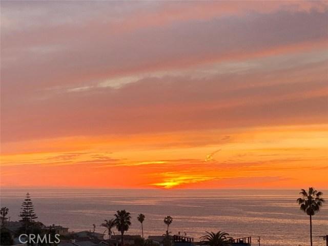 213 Calle Mayor, Redondo Beach, California 90277, 3 Bedrooms Bedrooms, ,1 BathroomBathrooms,For Sale,Calle Mayor,SB20184038