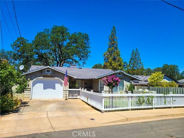 580 Forest Dr, Lakeport, CA 95453