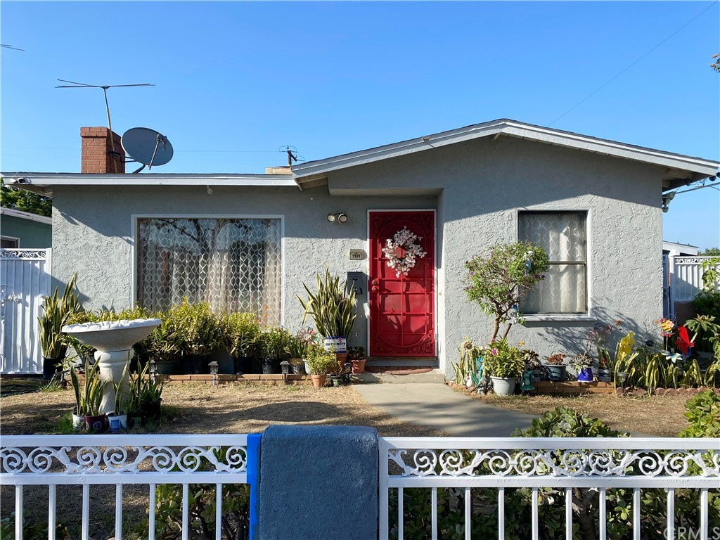 3141   E Sawyer Street, Long Beach CA 90805