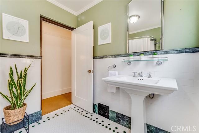 924 N. Olive Street-Bathroom