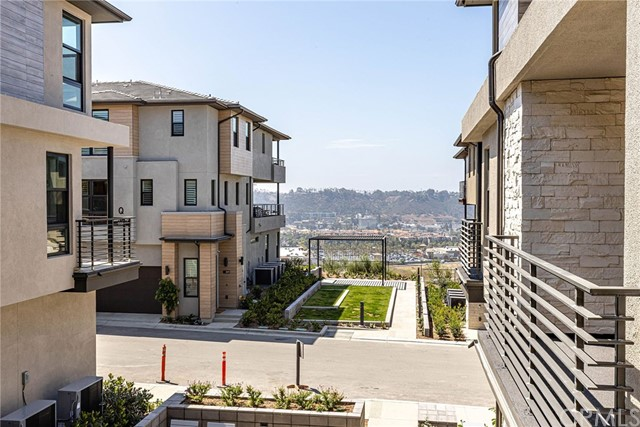 2874 Via Alta Place 70, San Diego, CA 92108