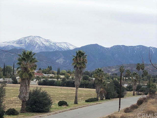 6 Avenue G, Yucaipa, CA 92399