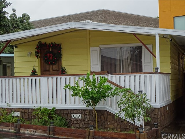 215 Capri Avenue, Santa Ana, CA 92703