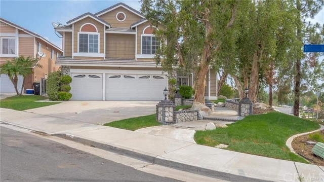 485 Wellington Circle, Corona, CA 92879