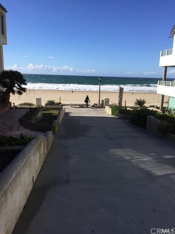 125 9th Street B, Manhattan Beach, California 90266, 2 Bedrooms Bedrooms, ,1 BathroomBathrooms,For Rent,9th,PV20000646