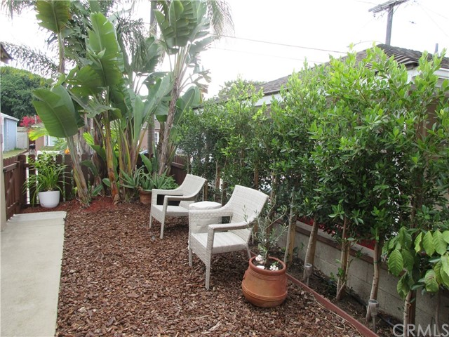 1217 21st Street, Hermosa Beach, California 90254, 2 Bedrooms Bedrooms, ,1 BathroomBathrooms,For Sale,21st,PV20226677