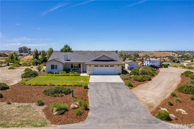 5696 Reindeer Place, Paso Robles, CA 93446