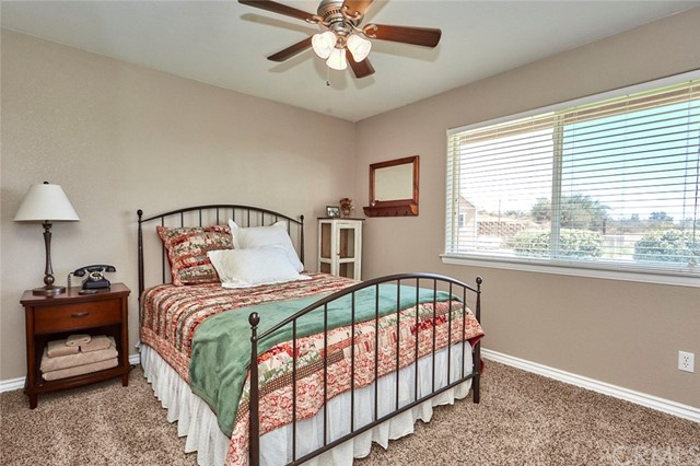 10224 Whitehaven St, Oak Hills, CA 92344 Photo 31