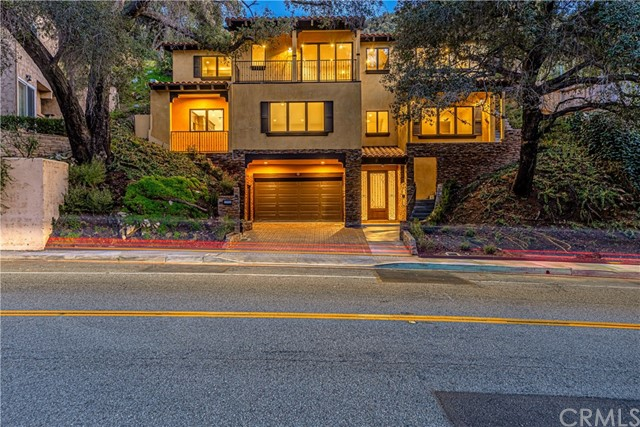 2566 E Chevy Chase, Glendale, CA 91206
