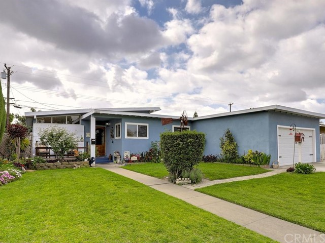 1300 W Woodcrest Avenue, Fullerton, CA 92833