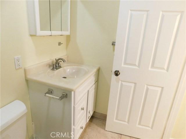 卧房个数: 2, 浴室个数 : 1.5