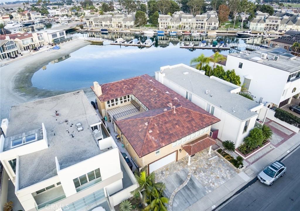 Photo of 16376 Ardsley Circle, Huntington Beach, CA 92649