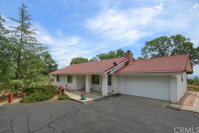 54301 Pine Tree Lane, North Fork, CA 93643