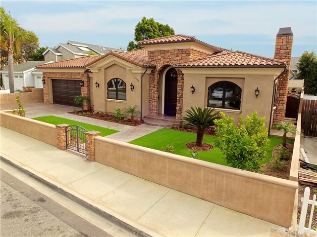 2104 Ruhland Avenue, Redondo Beach, California 90278, 3 Bedrooms Bedrooms, ,4 BathroomsBathrooms,For Rent,Ruhland,CV20022074