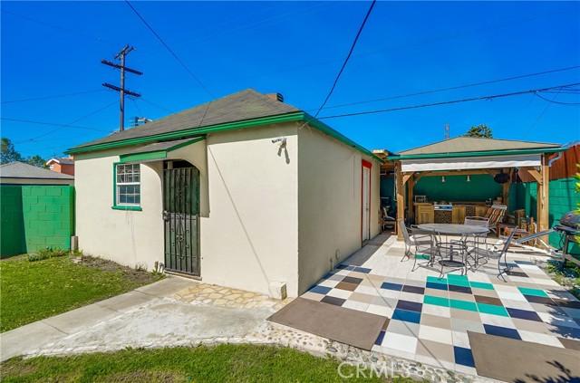 41. 2661 Thurman Avenue Los Angeles, CA 90016