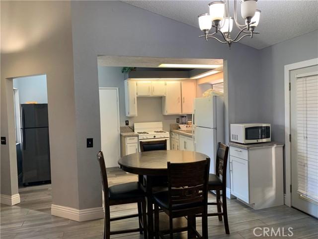 11473 Homewood Place, Fontana CA: https://media.crmls.org/medias/5a71a9ac-5c7d-474c-9c1e-0a05b539d290.jpg