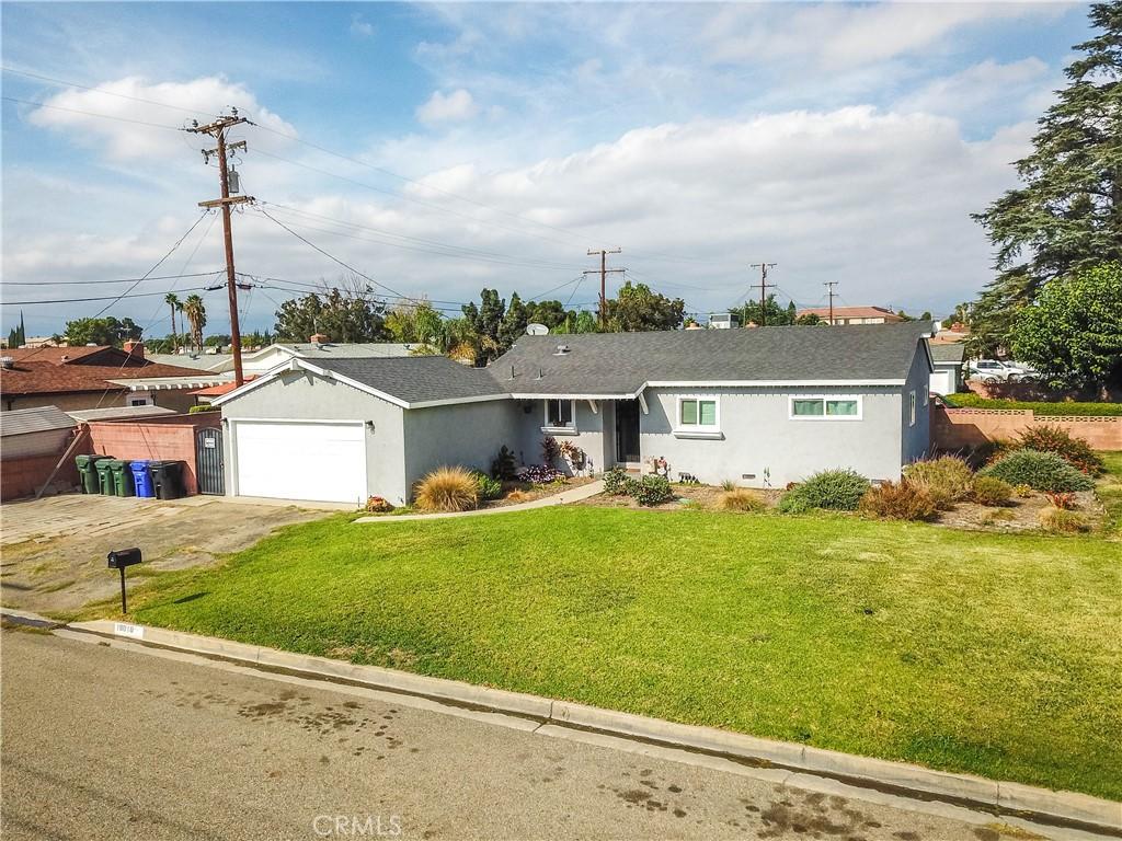 18010     Hibiscus Street, Fontana CA 92335
