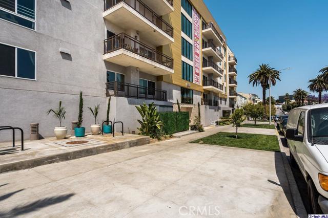 3. 2939 Leeward Avenue #506 Los Angeles, CA 90005