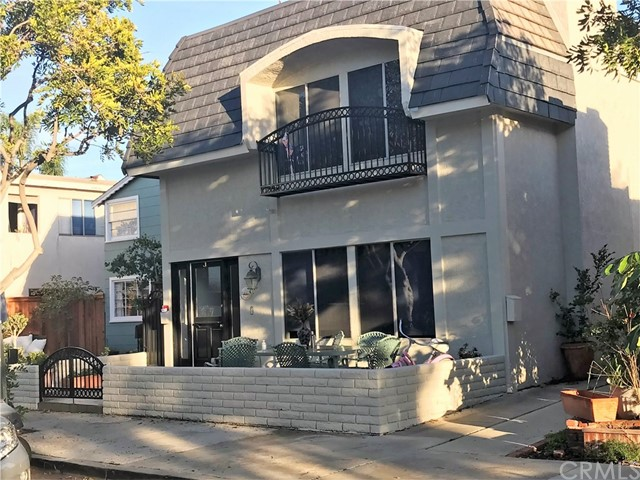 118 Garnet Avenue, Newport Beach, CA 92662
