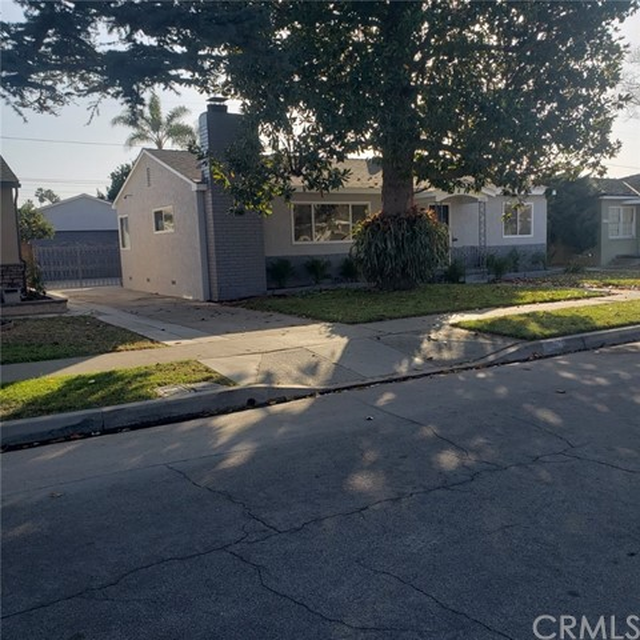 5802 E Parapet Street, Long Beach, CA 90808
