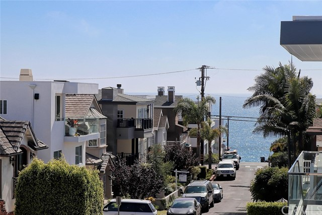 469 27th Street, Manhattan Beach, California 90266, 3 Bedrooms Bedrooms, ,3 BathroomsBathrooms,For Sale,27th,SB20150619