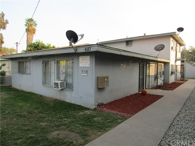 687 W 17th St, San Bernardino, CA 92405 Photo