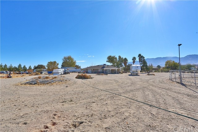 10054 Trade Post Rd, Lucerne Valley, CA 92356 Photo 37