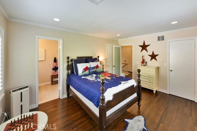 38. 566 W 11th Street Claremont, CA 91711