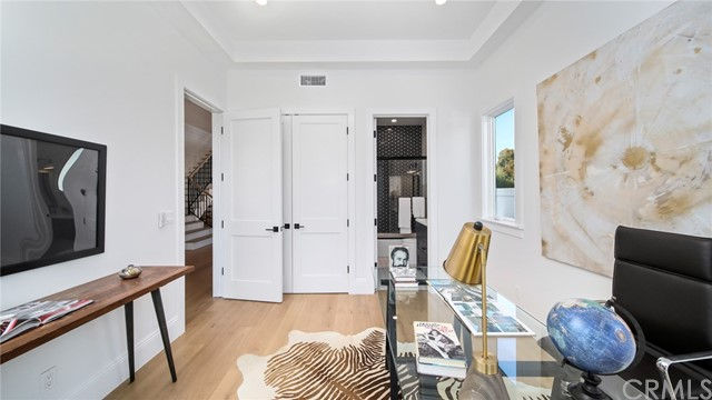 1137 6th Street, Manhattan Beach, California 90266, 5 Bedrooms Bedrooms, ,5 BathroomsBathrooms,For Sale,6th,PV21069366