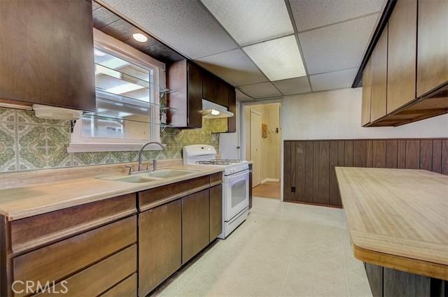 15. 2263 Mira Mar Avenue Long Beach, CA 90815