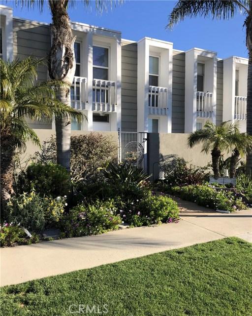 3989 Warner Avenue, Huntington Beach, CA 92649