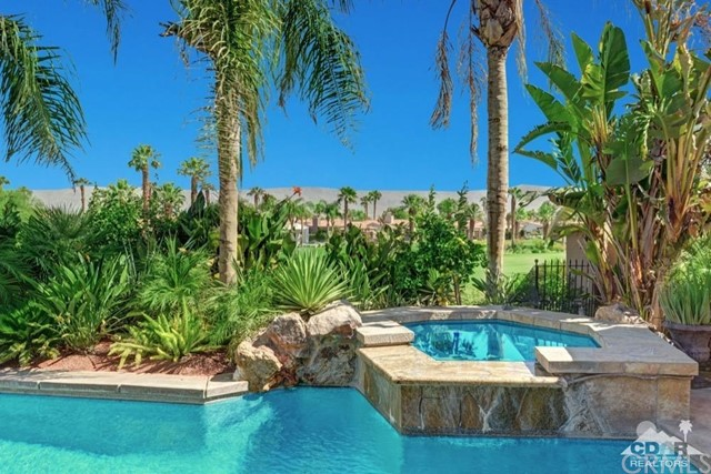 460 Gold Canyon Drive, Palm Desert, CA 92211
