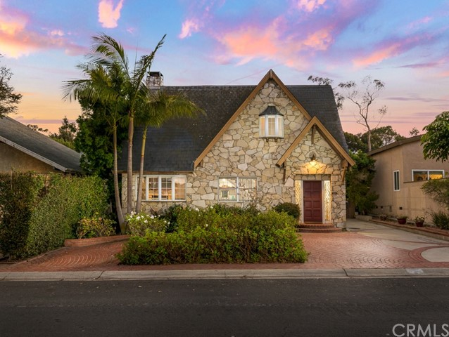 712 Calle De Arboles, Redondo Beach, California 90277, 3 Bedrooms Bedrooms, ,2 BathroomsBathrooms,For Sale,Calle De Arboles,SB20226981