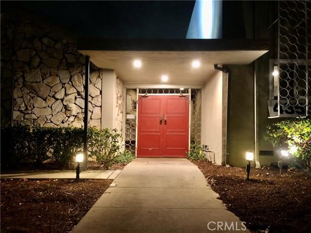 4353 Colfax Avenue 15, Studio City, CA 91604