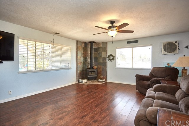 10054 Trade Post Rd, Lucerne Valley, CA 92356 Photo 5