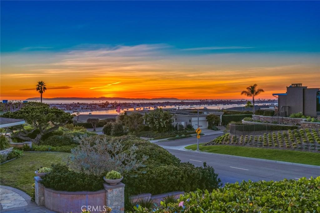 Homes for sale - 424 Angelita DR, Corona Del Mar, CA 92625 – MLS#NP...