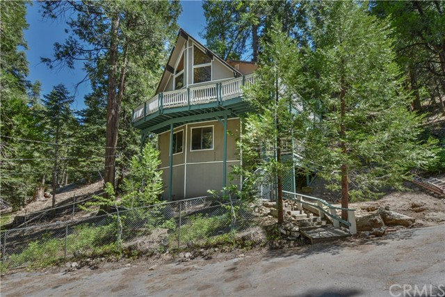 424 Cedarbrook Drive, Twin Peaks, CA 92391
