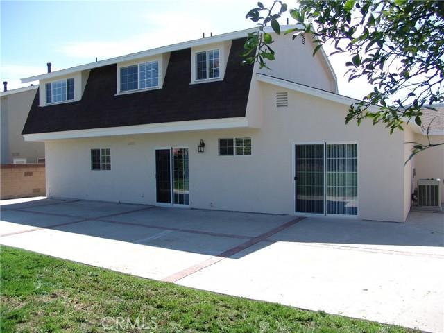 17109 Hiawatha Street, Granada Hills CA: https://media.crmls.org/medias/5e68db52-09f5-4b56-893d-3c1765be647e.jpg